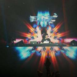 This is @garethemery right now.  Tearing up the dance at the @thepalladium.  #driveLA #electricforlife http://t.co/czJwkv9c79
